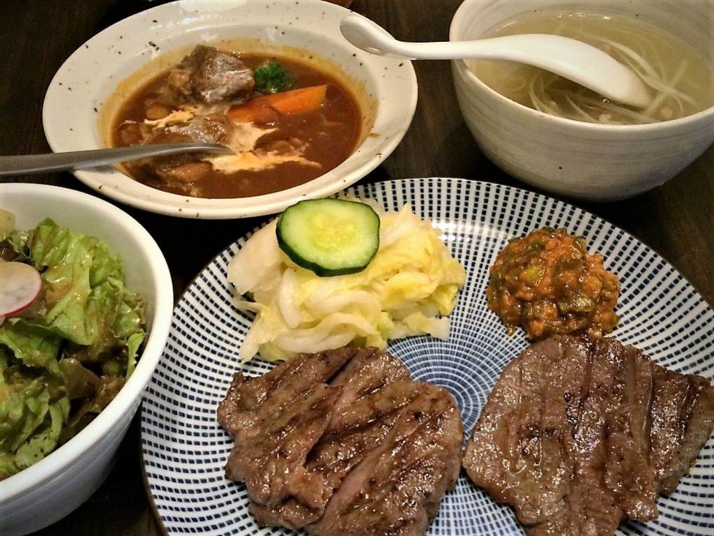 炭焼牛タン東山(仙台本店)