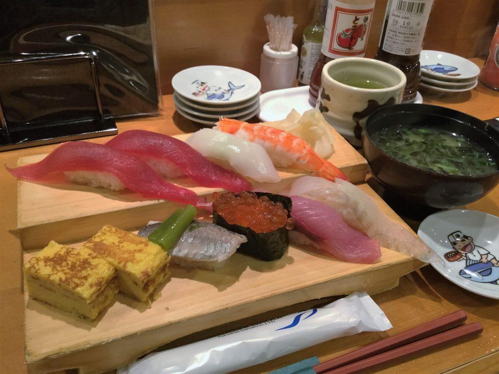 魚がし鮨 関脇(1380円)