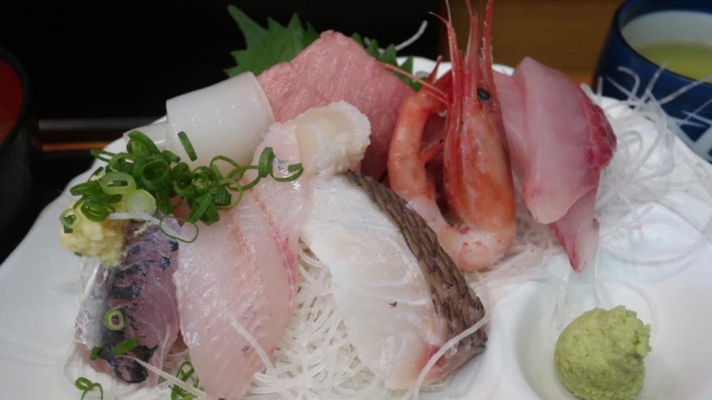 刺身定食(1280円)