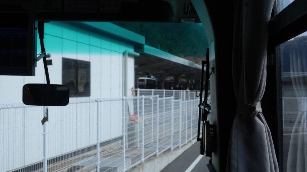 乗り換えた草津温泉行きのバスの車窓