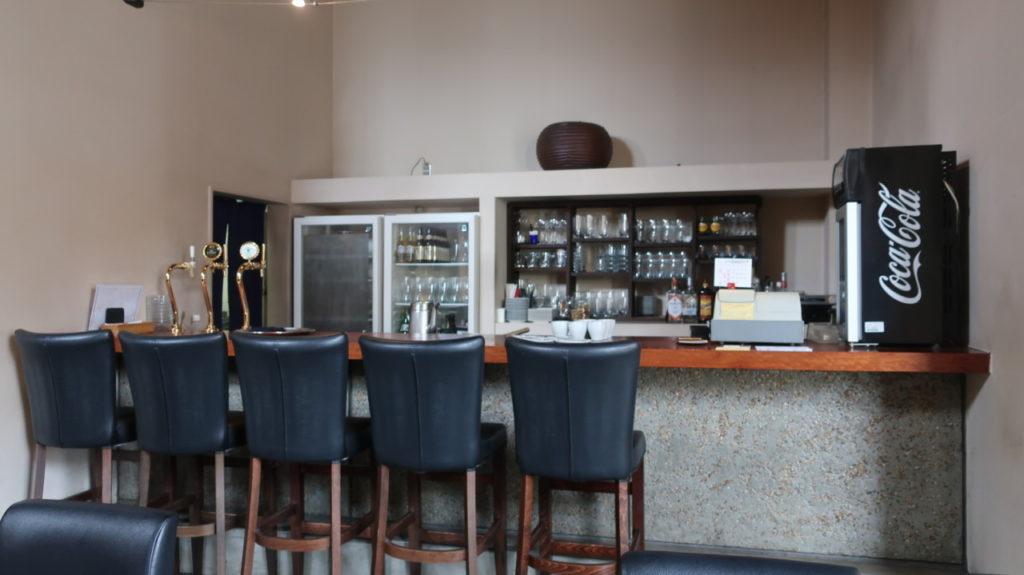CAFE BAR風待のカウンター席