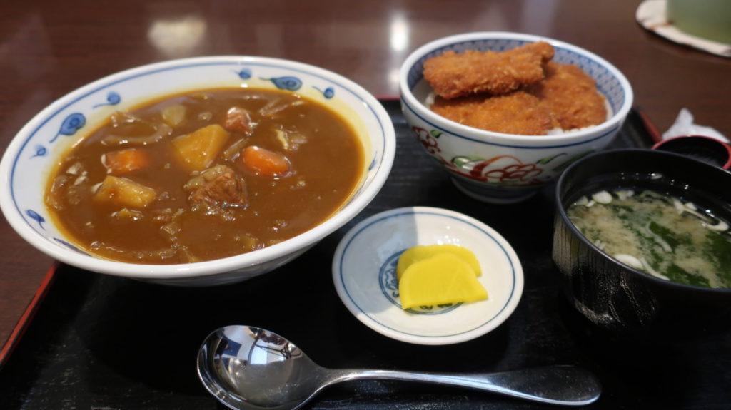 ミニカレーラーメンとミニたれカツ丼セット