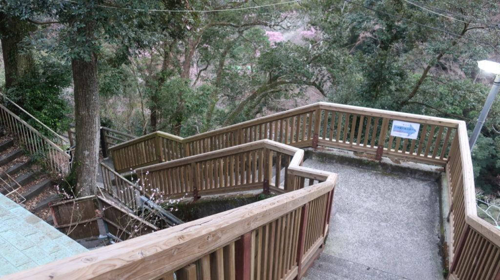 大滝への階段