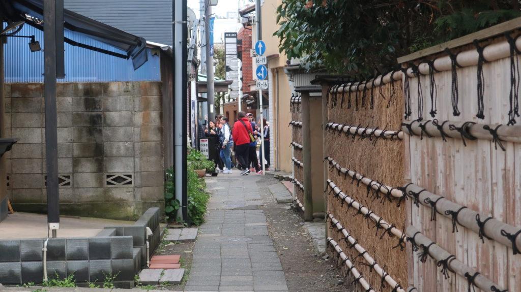 鎌倉  小町通り  路地