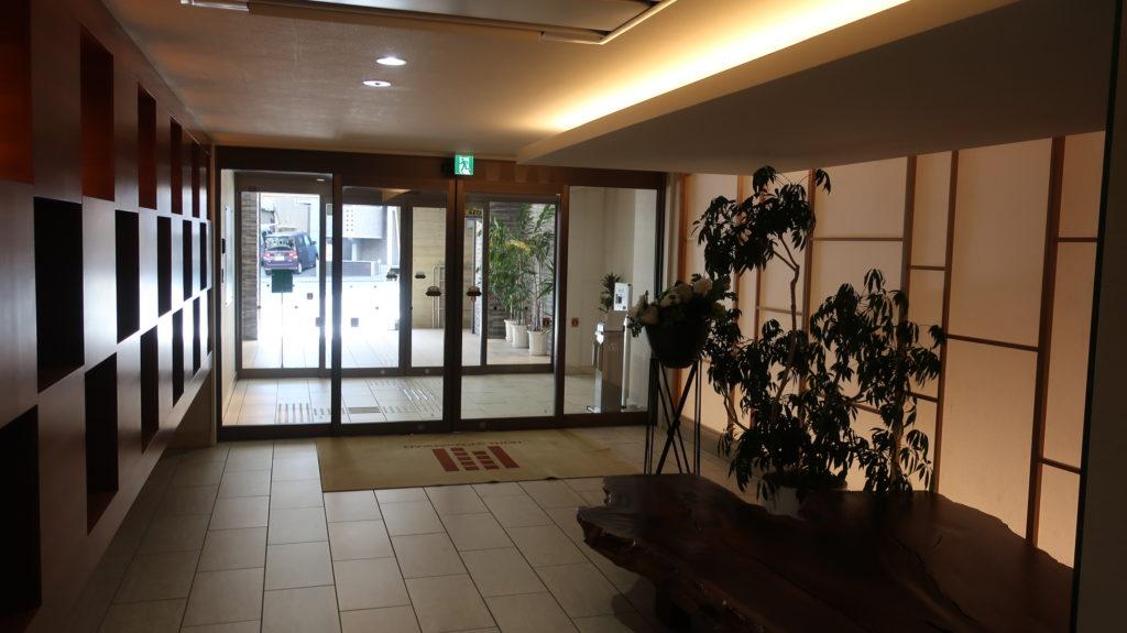 ホテル昭明館 玄関