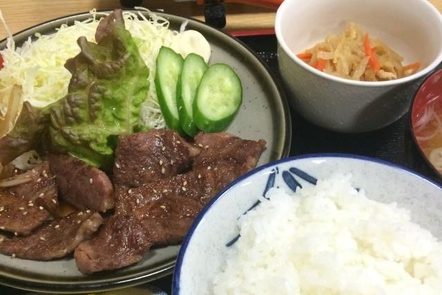 米沢駅前の良心的な食事処・みよし