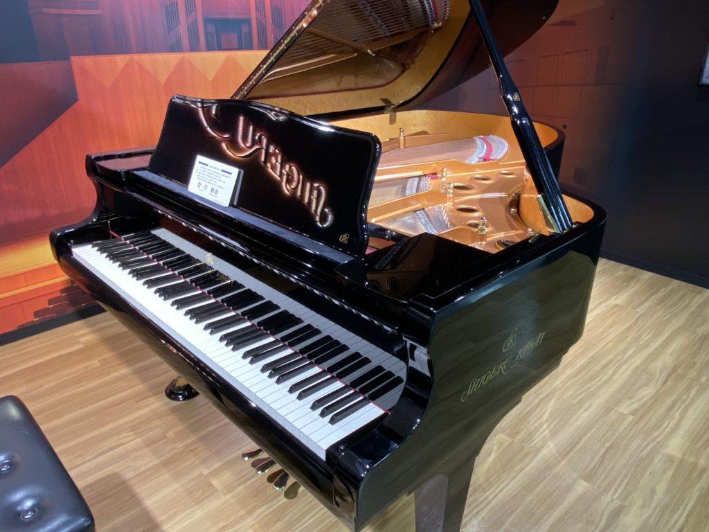 浜松駅構内にあるグランドピアノ