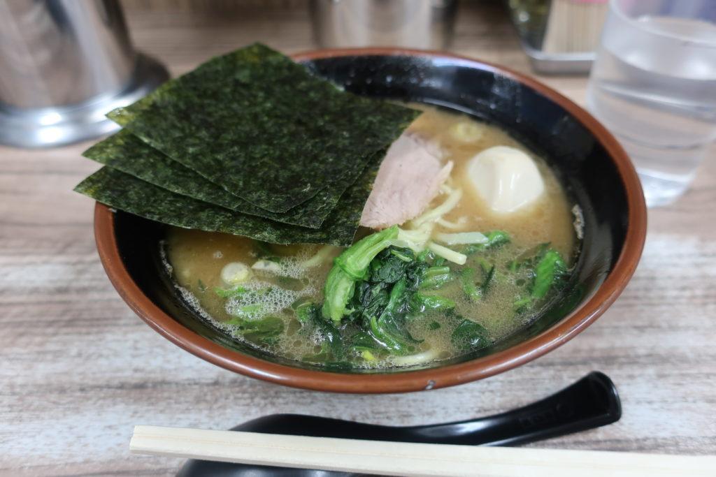 武蔵家 家系ラーメン 料理