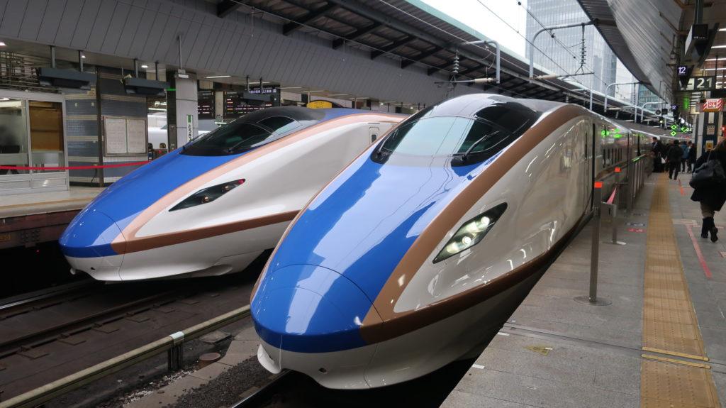 北陸新幹線かがやき・はくたか