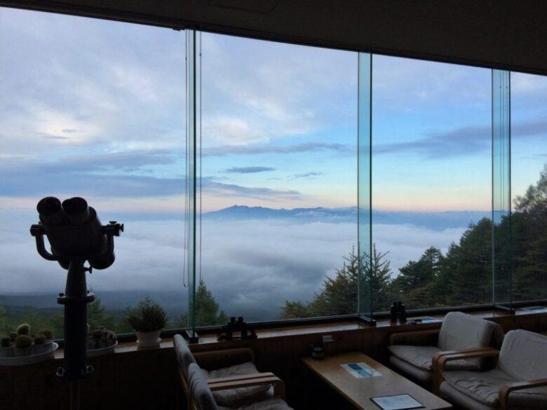 展望カフェスペースからの雲海!