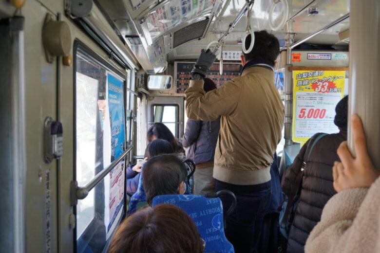 昇仙峡方面へのバス 混雑(平日)