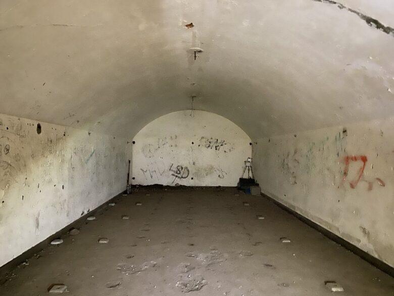猿島 兵舎の内部