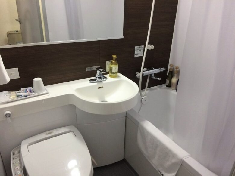 ホテルアルファーワン三島 バストイレ