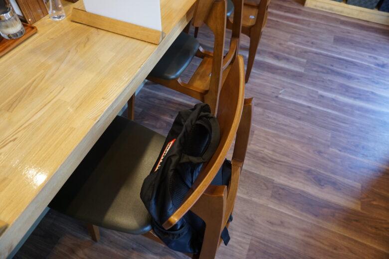 麺屋 琥珀 椅子